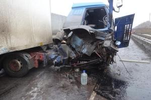 В Жердевском райне грузовик врезался в ограждение моста: есть пострадавший