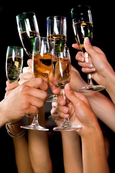 Учёные выяснили, сколько алкоголя можно пить в неделю