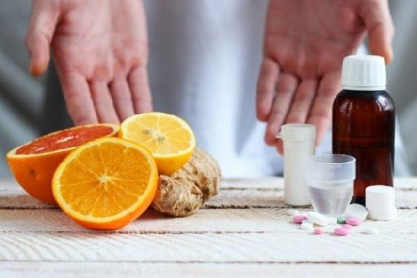 Врач назвал опасные сочетания лекарств и продуктов