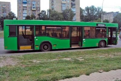 Пенсионерка получила травмы в резко затормозившем автобусе