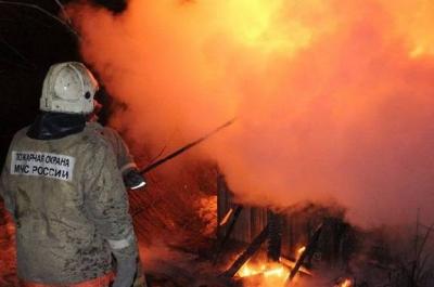 В пожаре в Первомайском районе сгорел дом: есть пострадавшая
