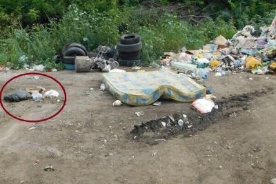 В Строителе в куче с мусором нашли мёртвого младенца