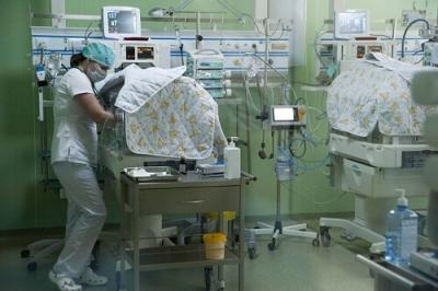 В Тамбовской областной детской больнице медики спасают новорожденных с весом 500 грамм