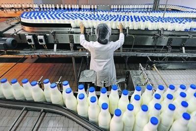 Восстановленному молоку разрешат иметь синеватый оттенок
