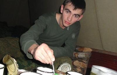 Тело героически погибшего в Сирии старшего лейтенанта Прохоренко доставлено в Москву