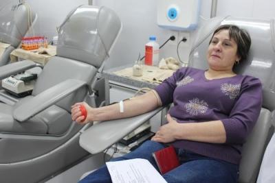 Жители Сосновки сдали кровь для тяжелобольных людей