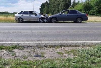 """В Мичуринском районе лоб в лоб столкнулись ВАЗ 2114 и """"Киа"""""""