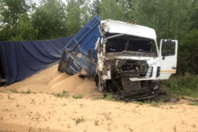 На территории Моршанского района столкнулись три автомобиля: один водитель скончался