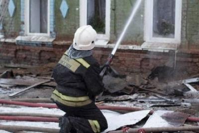 В Мичуринском районе из-за пожара эвакуировали жильцов двухэтажного дома: есть жертвы