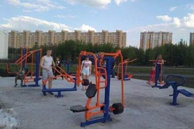 В Олимпийском парке установили уличные тренажёры