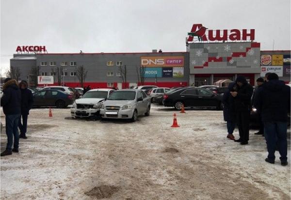 "В Тамбове у торгового центра ""Ашан"" произошло ДТП"