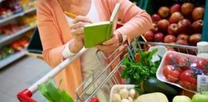 Тамбовчане стали экономить на покупках и обедах в кафе