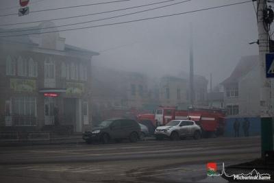 В Мичуринске загорелся двухэтажный дом