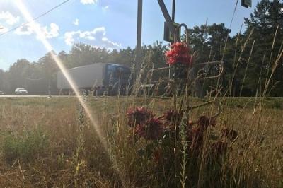 """Придорожные """"кладбища"""": мнение церкви и правоохранителей"""