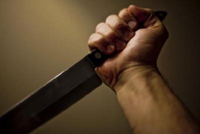 В Уварово пьяный мужчина с ножом угрожал убить родную мать
