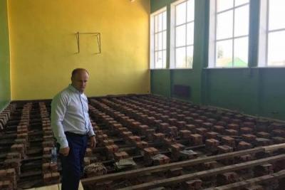 Ремонт Верхнеспасской школы подвергся резкой критике главы района