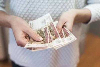 Минтруд предложил поднять минимальный размер оплаты труда на тысячу рублей