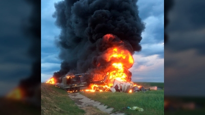 На объездной дороге Тамбова произошло столкновение иномарки и фуры с возгоранием