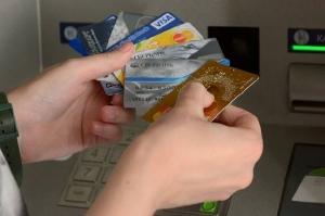 Все интернет-магазины вРоссии обяжут принимать банковские карты