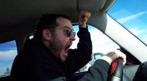 Водителей предложили проверять на агрессивность